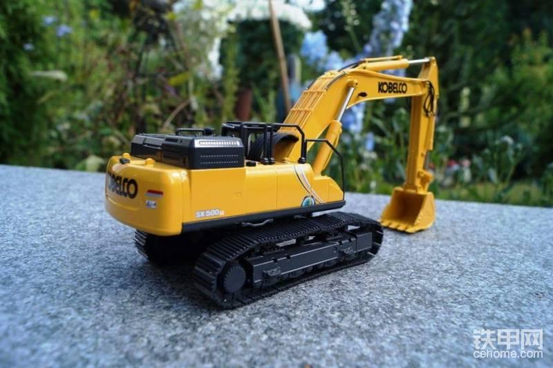 大黄蜂神钢sk500-10挖掘机模型