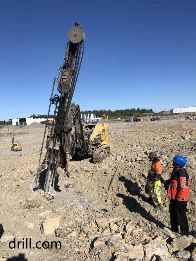 挖机改钻机 芬兰工作现场