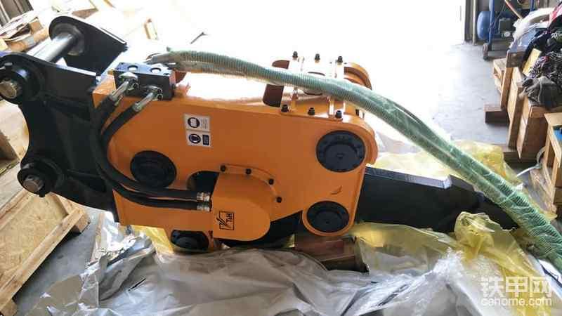 高频破碎器T&H 1020 20吨挖掘机