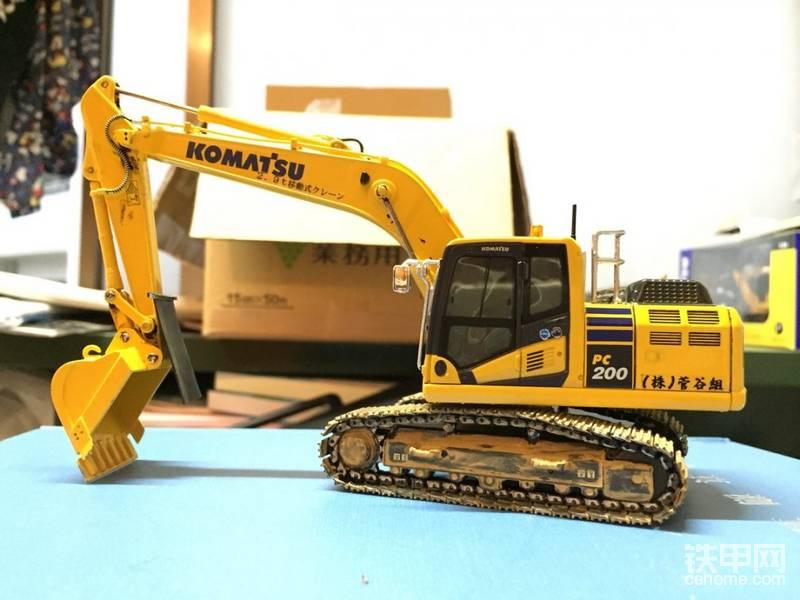 小松PC200-10挖掘机模型