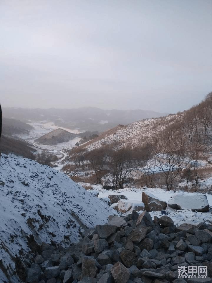 雪后山上,很美