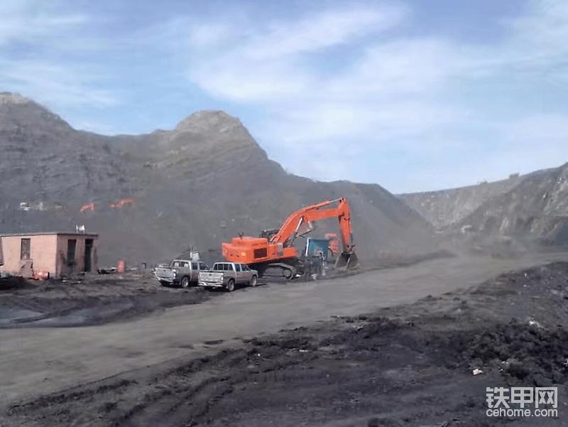 银川日历公司经常过来看挖机