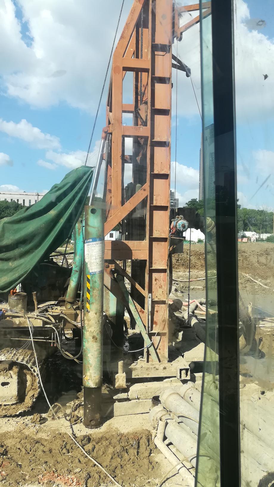 打60多米孔,报废挖机改装,这钻机你见过吗?