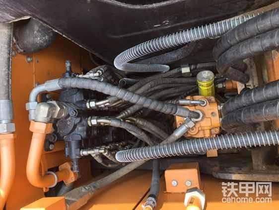 美国赫斯可分配阀,酒量大动作快缺点是不如力士乐耐操,关键液压油得干净。