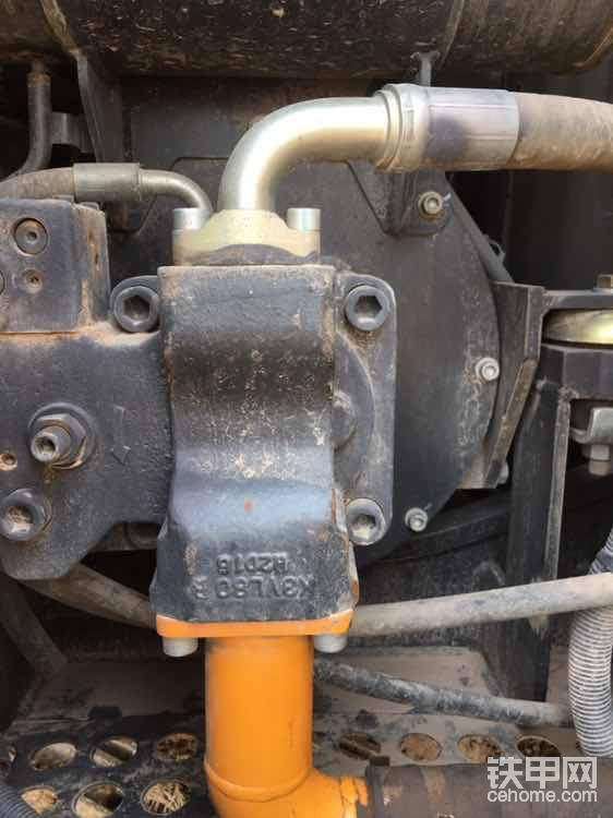 日本发动机需要配日本的泵,川崎K3V我这边有配这款泵的三一七五干到一万三千多小时不用维修。
