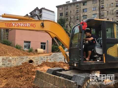 南昌80輪式挖掘機-帖子圖片