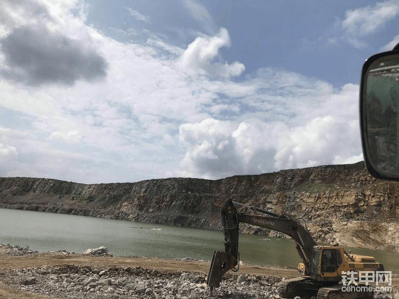 """【沃尔沃提车作业】回首""""沃""""座驾,30多吨矿山利器!"""