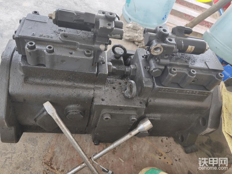 出个坏的K3V112黑泵。