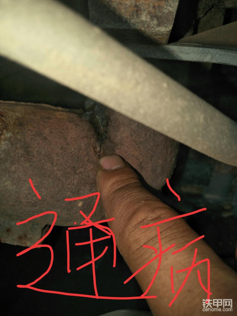 好多4hk1在靠近散热器一面排气管都有裂纹