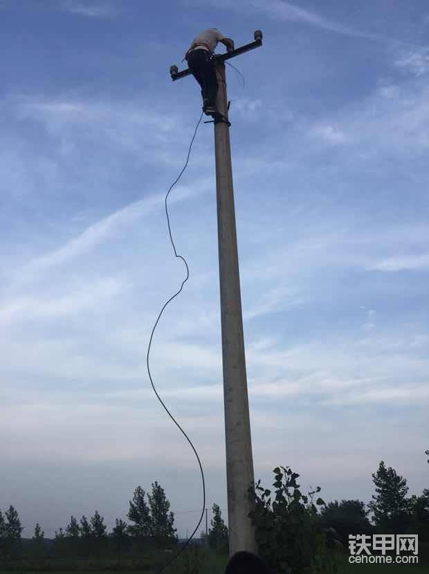 湖北周边专业立电杆!