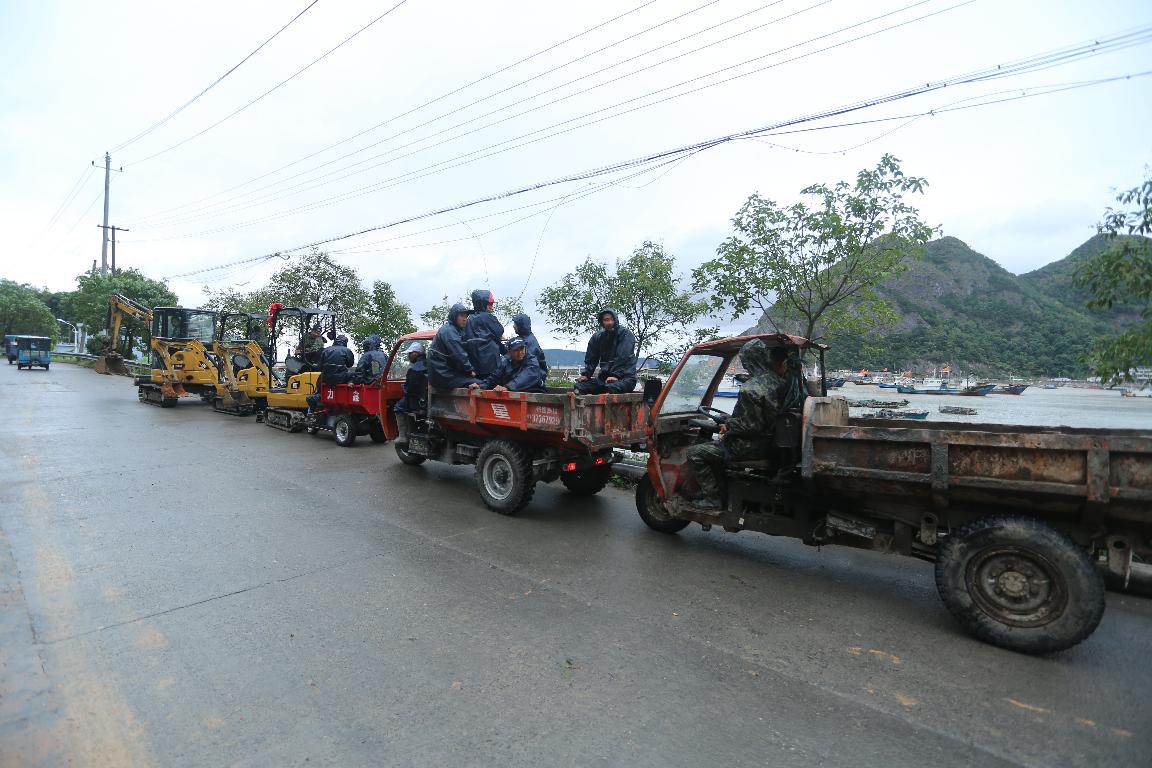 【从业故事】微挖小队,组队突击绿化工地最后施工节点