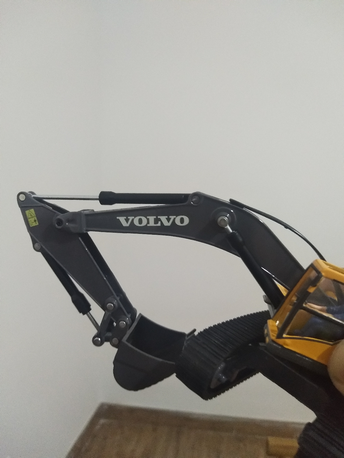 短臂挖掘机掉链条如何自救,用模型给各位甲油演示一下