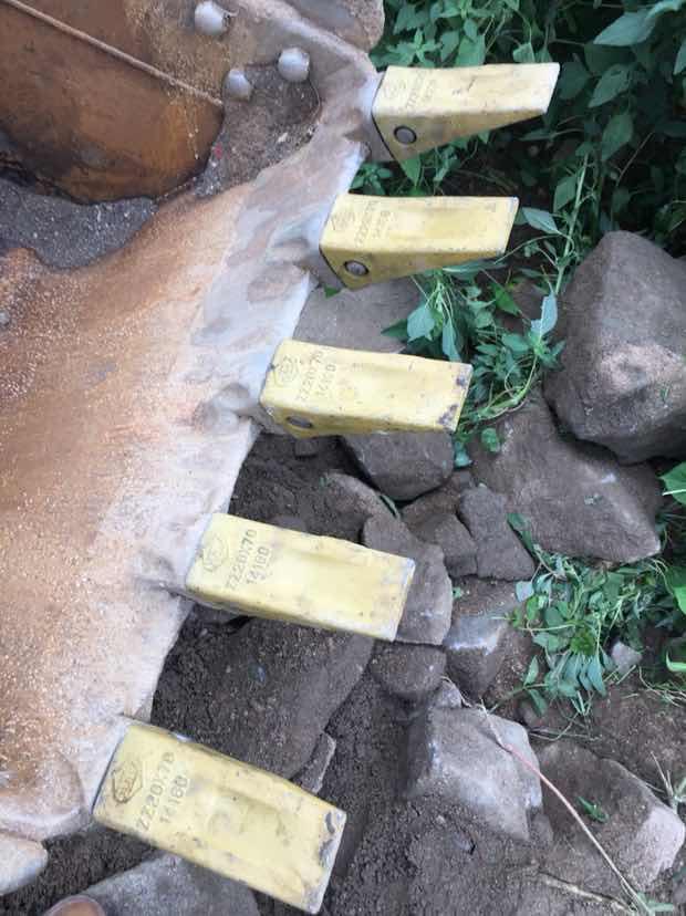 小松60-8加固挖斗