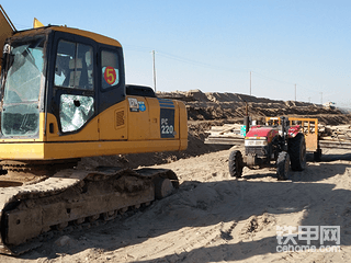 挖机老板该到何处维权?