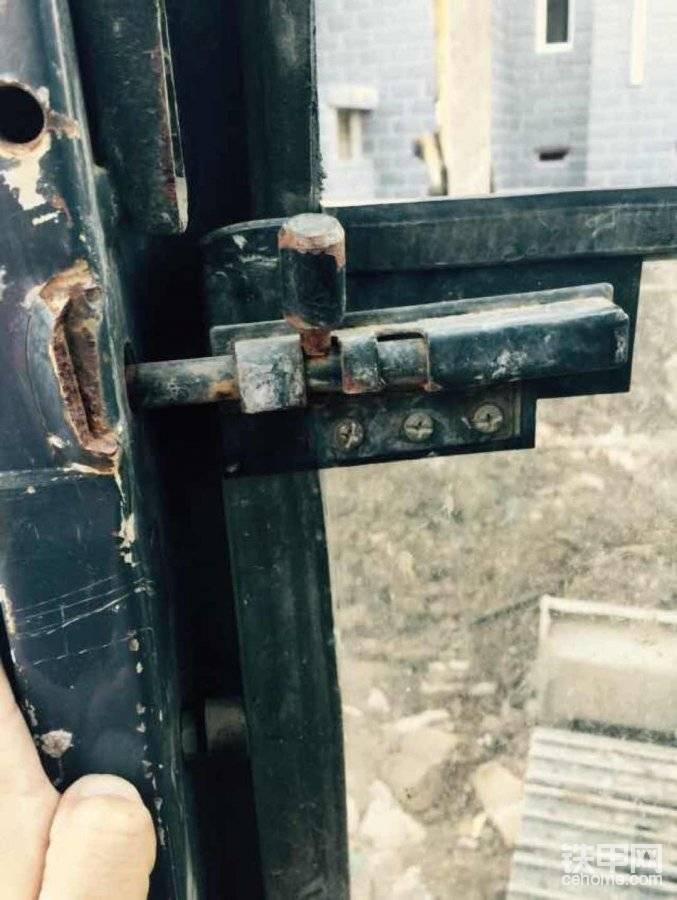 求购卡特重工前下玻璃锁帖子图片