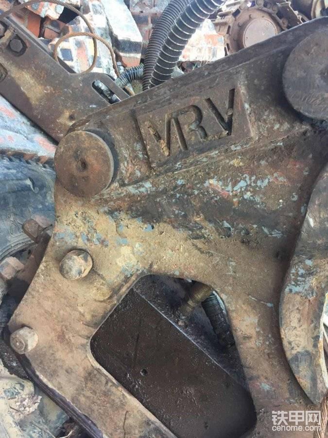 各位朋友知道这是什么破碎锤吗?