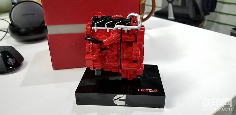 康明斯发动机模型(3个);