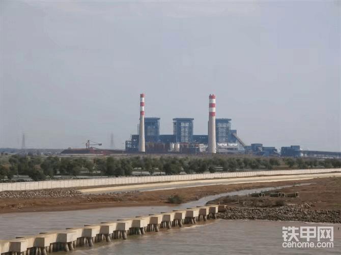 中国承建的印尼龙湾3x315MW电站