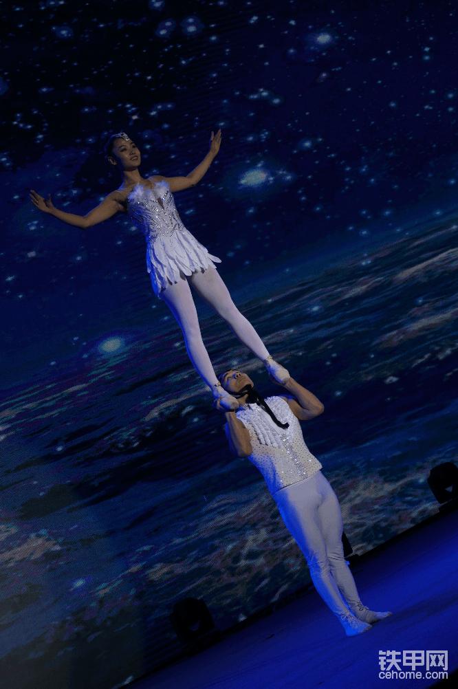 肩上芭蕾表演。