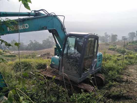 12年神钢75-8挖机一台