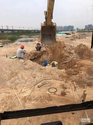挖机的路很长很长。。