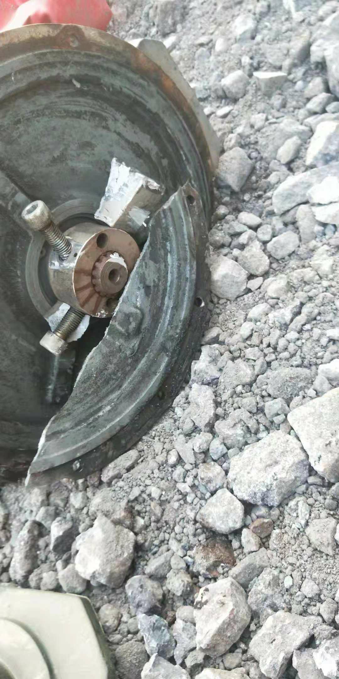 请教老铁们联轴器大泵问题