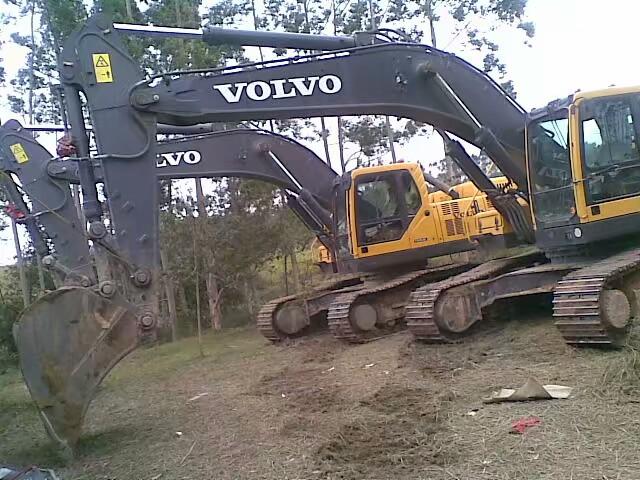 表叔又买了二手沃尔沃挖机,加藤820换发动机!