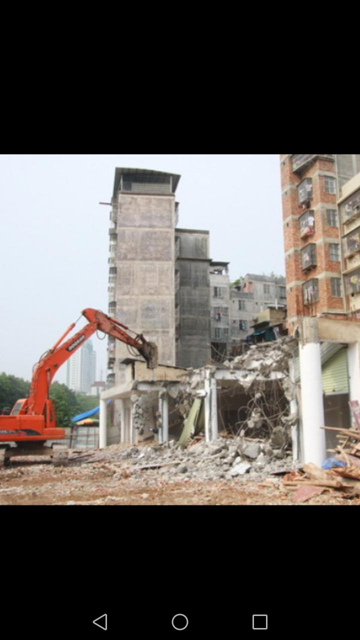 【安全事故】拆楼倒塌,挖机砸成铁饼,车毁人亡!