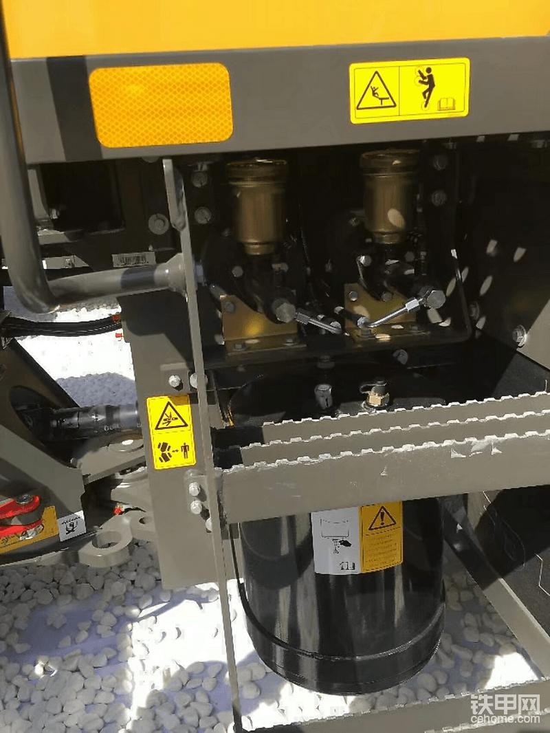 刹车系统都放在一起,方便检查