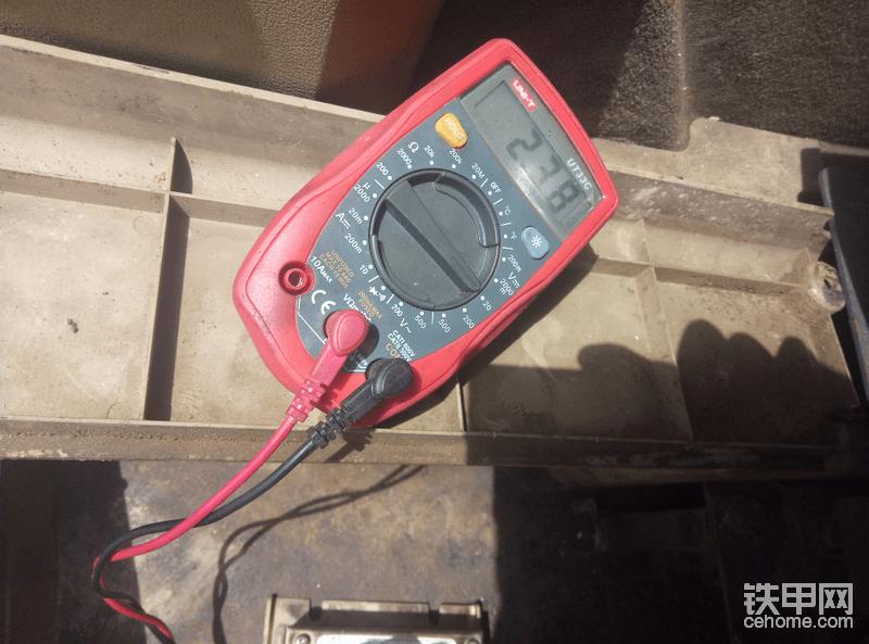 第六次出战   挨个线测量 都没有直接问题。又换了一块油门控制器。