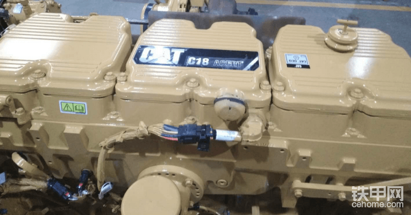 现隆重为大家推出卡特 C18 发动机