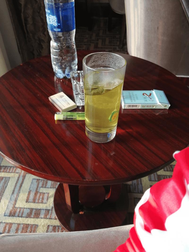 时间充裕来杯绿茶养养生  (听说南方人茶喝着喝着就有了赚钱的想法我也试试)
