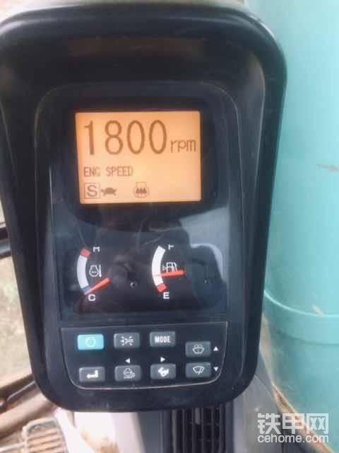 满油门的s模式的最大油门转数1800。