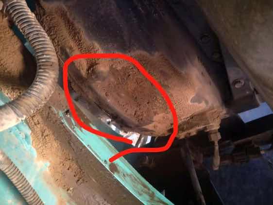 神钢250-8挖机液压泵骨架油封更换
