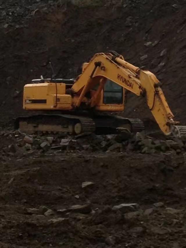 找现代挖机配件专卖