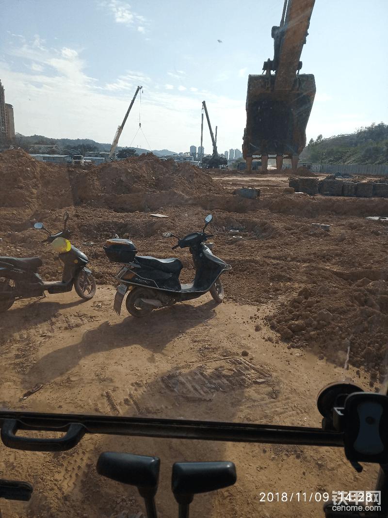 继续挖基础