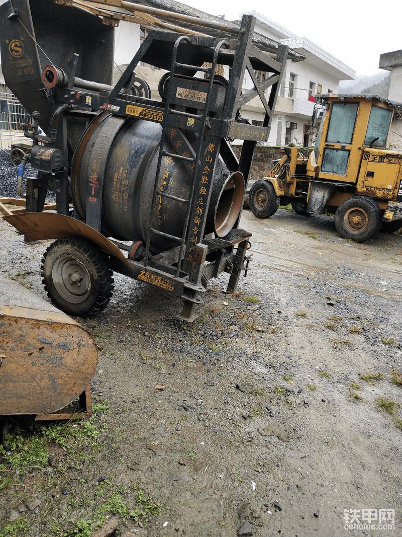 1.0鏟車,爬梯攪拌機-帖子圖片