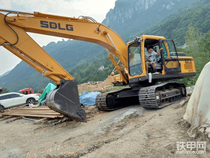 老铁们,大家千万不要买临工新挖机