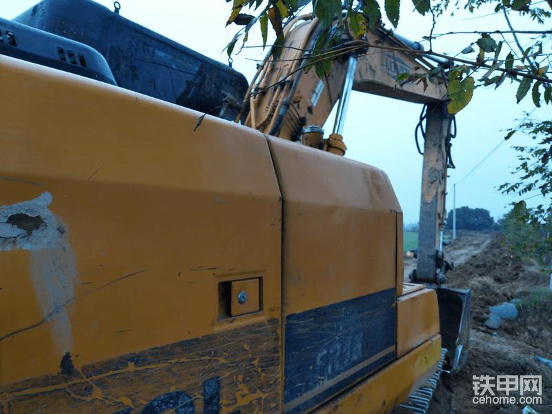关于雷沃挖机8年的风风雨雨😎️😎️😎️😎️