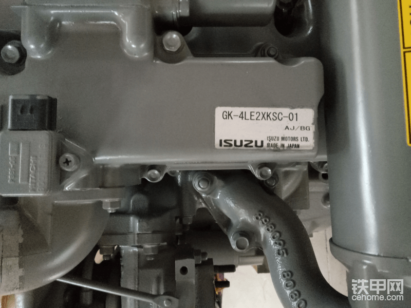 4LE2原装发动机总成
