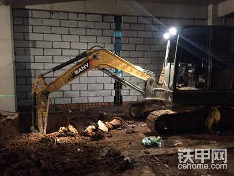 挖掘机整平快速入门技巧