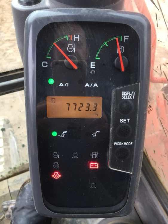 日立120-6 大换液压油!