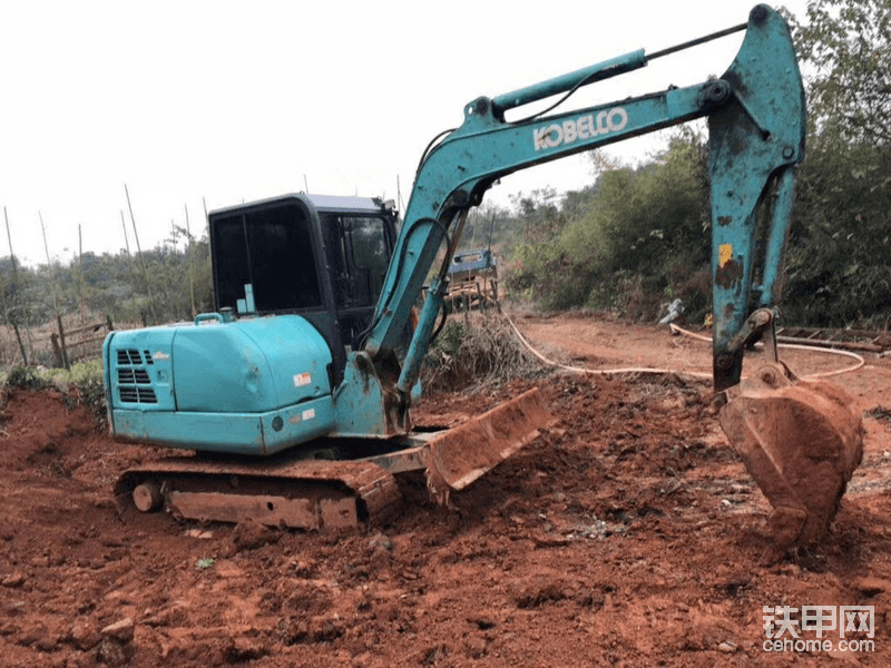 求购60挖机和70挖机13420503001