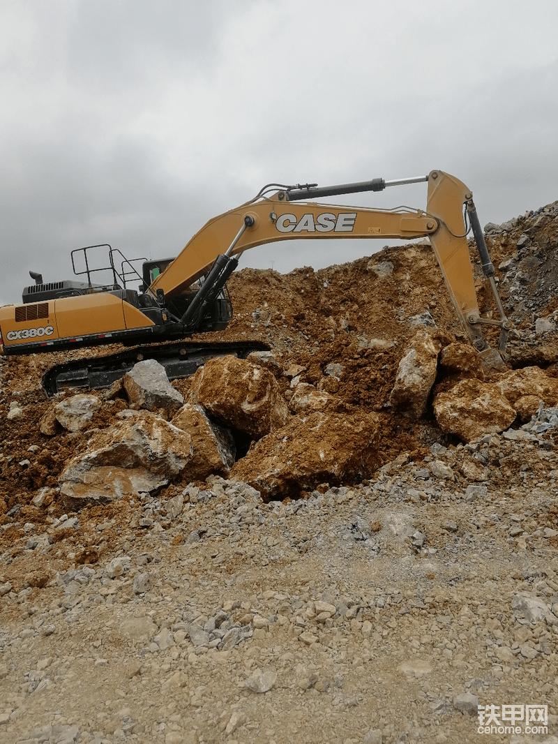 凯斯380,这个进口的挖机得要多少钱啊,-帖子图片