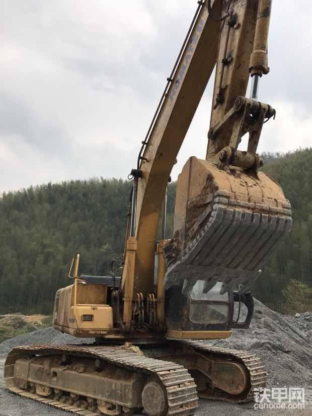20噸挖機-帖子圖片