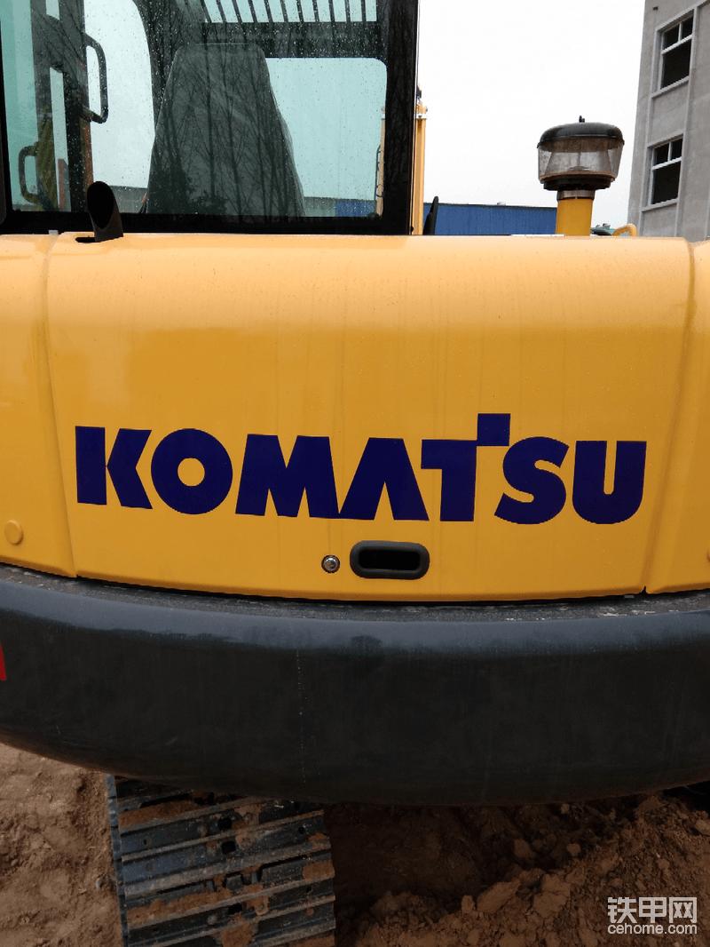 """多少挖友们朝思暮想得到的的品牌komatsu,又有多少人拜倒在它价格的石榴裙下?<img class=""""smiley"""" src=""""/img/smiley/new/tiejia37.gif"""">"""