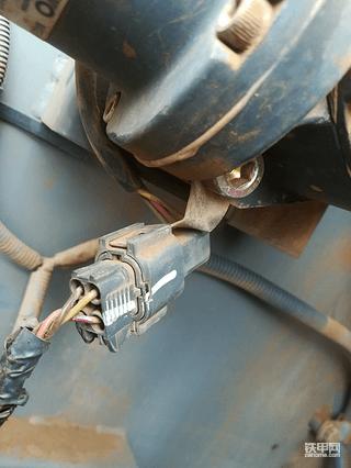 日立360-5g油门马达问题