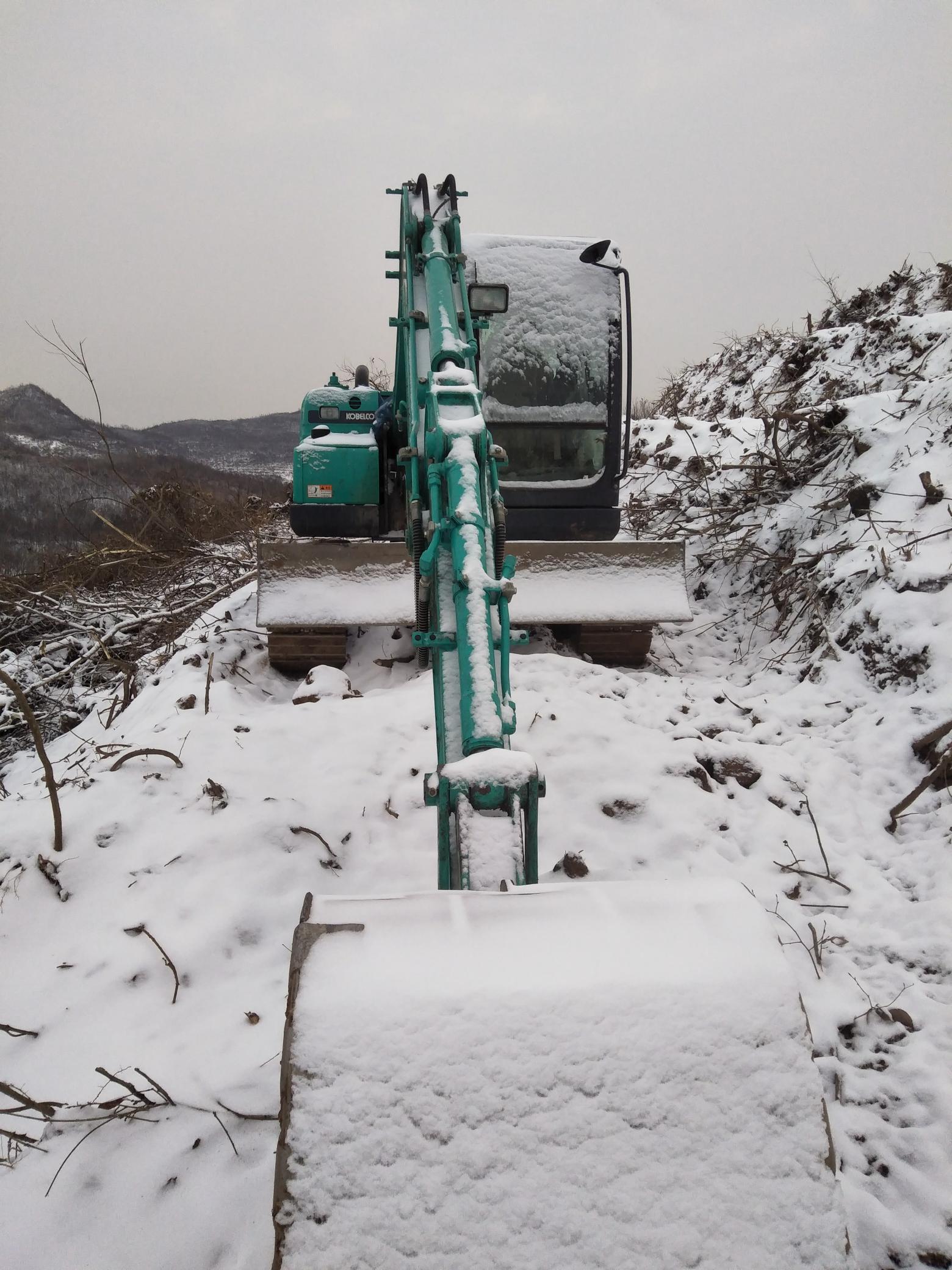 下雪没法干活,说说挖机的保养心得