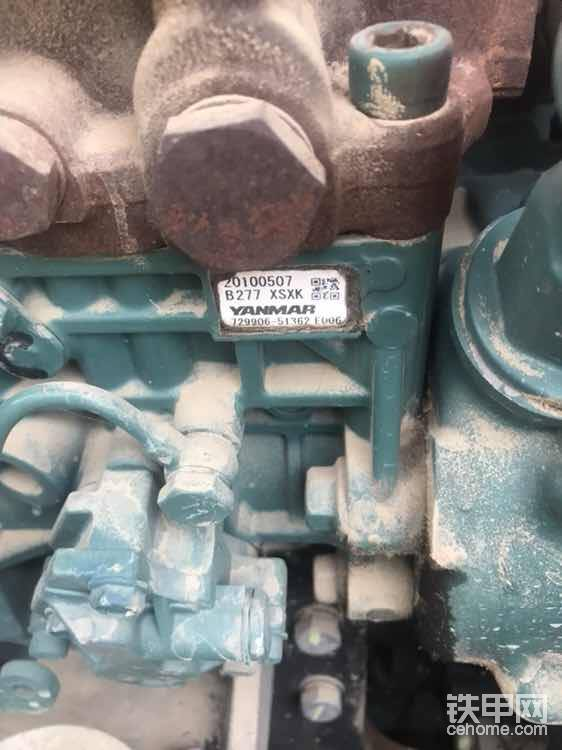 发动机柴油泵侧面也有生产日期,编号等等,如果没有这个标签也要仔细辨别一下
