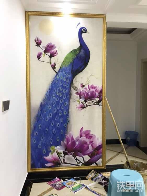 玄关画,凤凰,是中国古代传说中的百鸟之王,和龙一样为汉族的民族图腾。凤凰是雌雄统称,雄为凤,雌为凰。凤凰齐飞,是吉祥和谐的象征,常用来像征祥瑞、幸福,招财!
